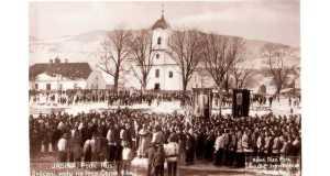 Vízszentelés Kőrösmezőn a Tisza partján (Forrás: www.1939.in.ua)