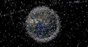 Műholdak és űrszemét (Fotó: ESA)