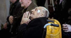 Olofsson Placid a Parma fidei – Hit pajzsa díj átadásán a felső-krisztinavárosi Keresztelő Szent János plébániatemplomban 2016. február 27-én. MTI Fotó: Mohai Balázs