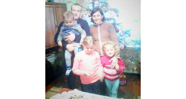 Tünde a családjával