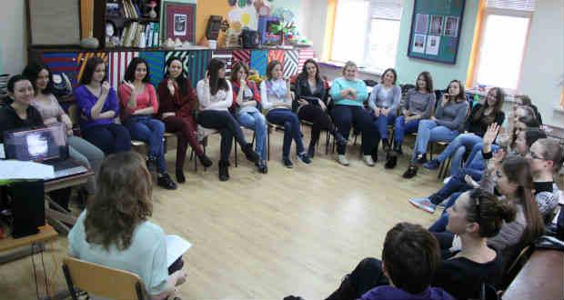 Színház-pedagógiai foglalkozás a Rákóczi-főiskola Felsőfokú Szakképzési Intézetében